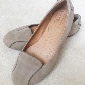 Size 6 Taupe Ballet Flats by Clarks